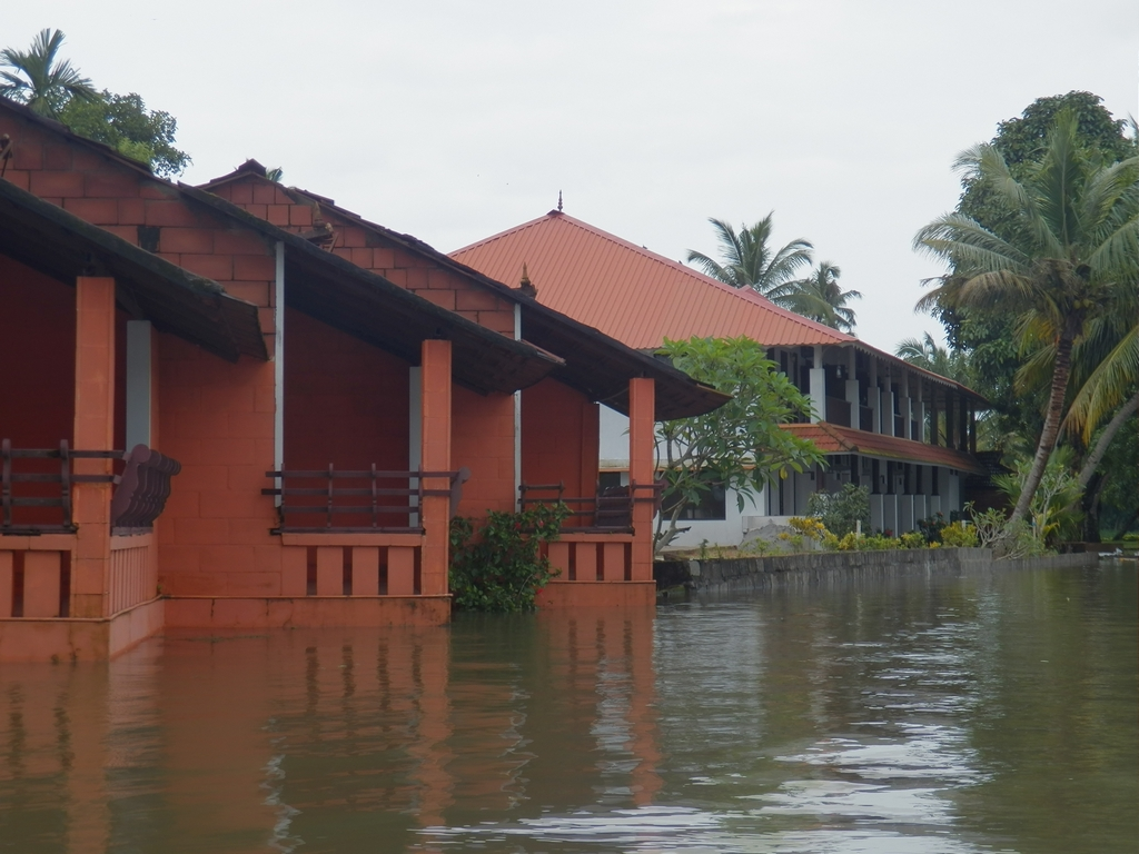 Kumarakom-Hotel-Budget-Rooms-00079