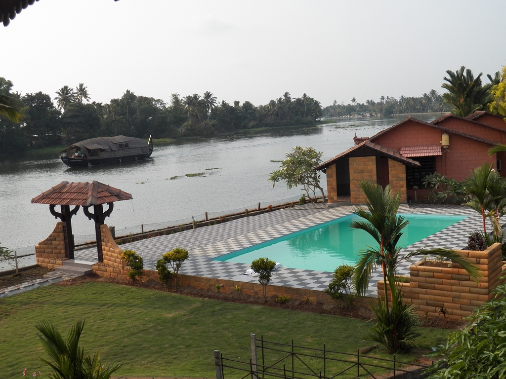 Kumarakom-Hotel-Budget-Rooms-00098