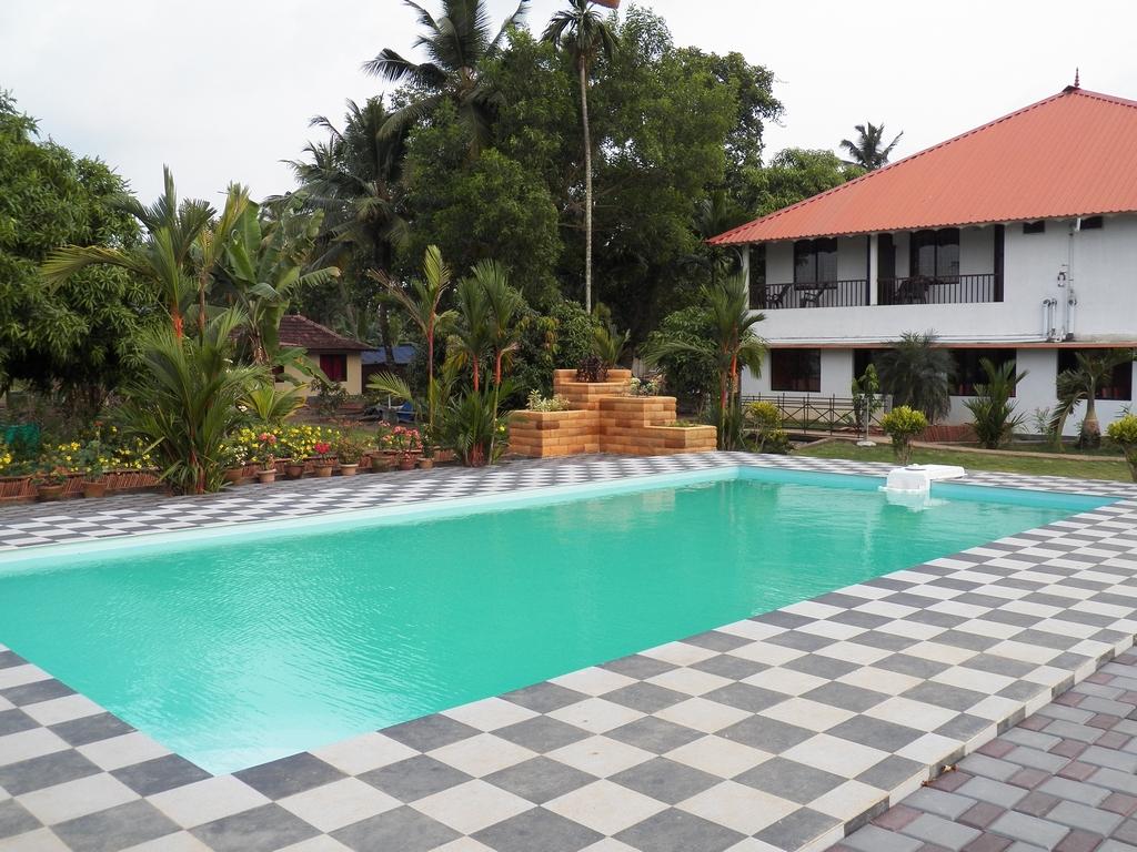 Kumarakom-Hotel-Budget-Rooms-00099