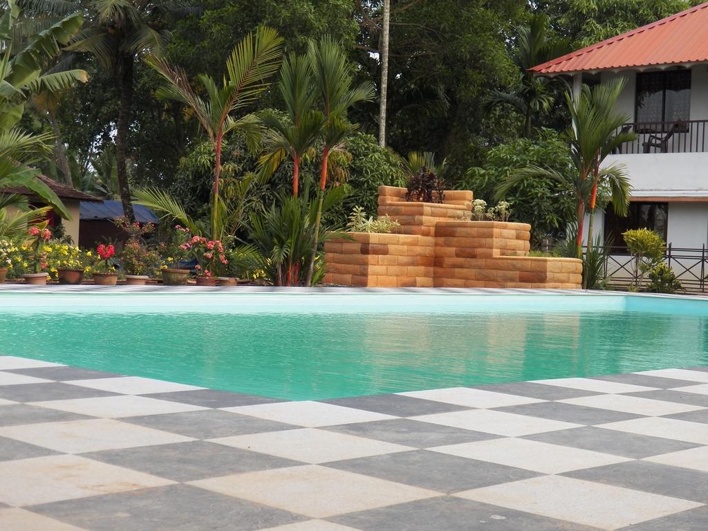 Kumarakom-Hotel-Budget-Rooms-00100