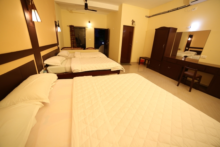 Alleppey-Family-Room