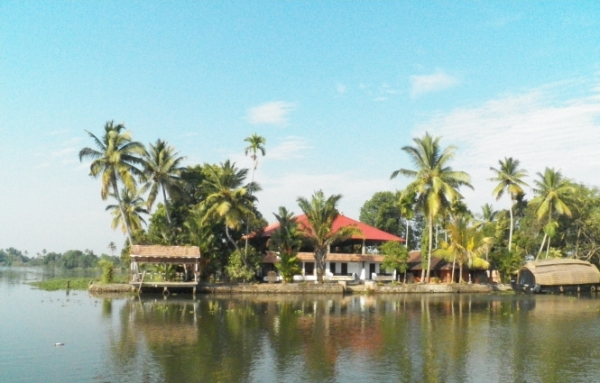 green-palace-kerala-resort