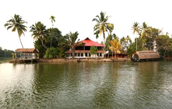 GreenPalce-Alleppey-Resort