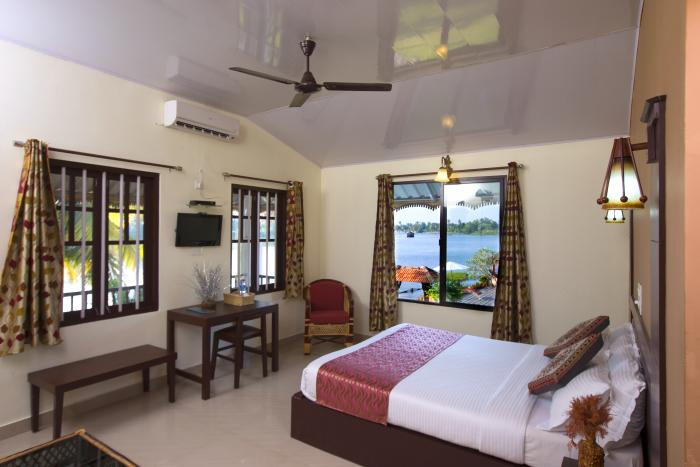 Alleppey-Deluxe-Resort-Room